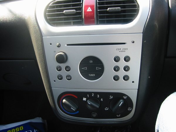 headunit installation corsa c corsa sport for. Black Bedroom Furniture Sets. Home Design Ideas