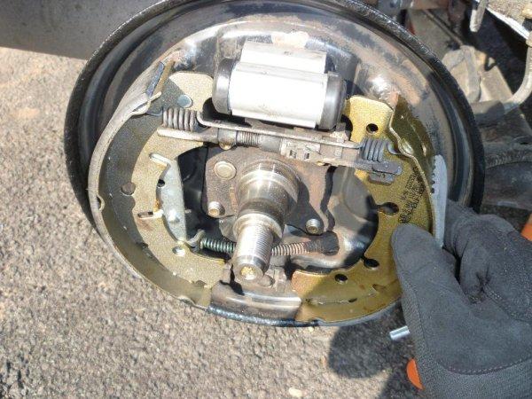 Ford Fiesta Mk  Rear Brake Shoe Adjuster